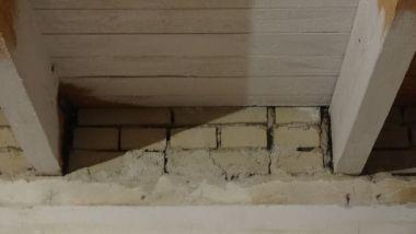 Stucen tot aan het hout - Kamer met balken ...