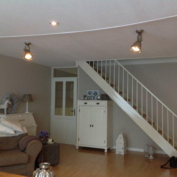 Verlaagd Plafond Hoogte Waterpas Leidingen En Stucplaten Klusidee Nl