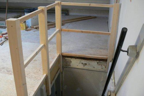 Ongekend Hoe een hout hekje (balustrade) maken voor zoldertrap? UE-28