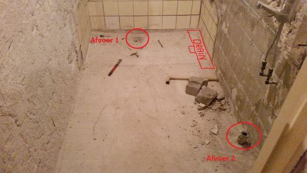 Badkamer betonvloer afvoer verplaatsen