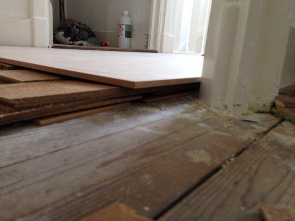 Houten vloer egaliseren met hardboard