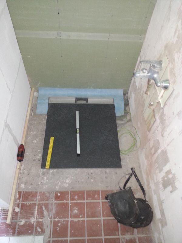Badkamer Vloertegels 60x60.Afschot Naar Douche Goot Met 60x60 Tegels
