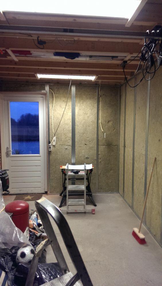 Favoriete Garage isoleren betimmering met hout. SE36