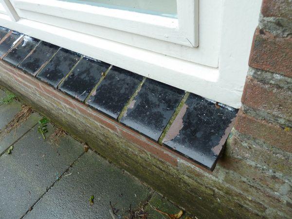Vensterbank Tegels Buiten : Raam tegels buiten verven foto