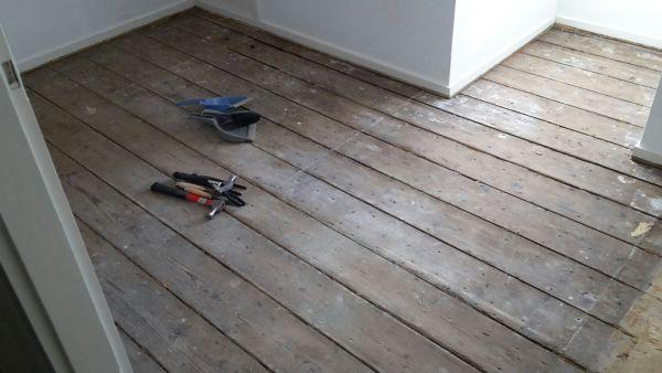 Oude Houten Vloeren : Oude houten planken vloer egaliseren voor laminaatvloer