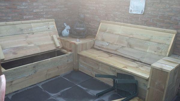 Opbergruimte van tuinbank droog houden  maken