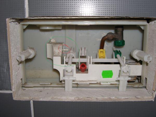 Binnenwerk Toilet Reservoir : Binnenwerk hangtoilet verwijderen