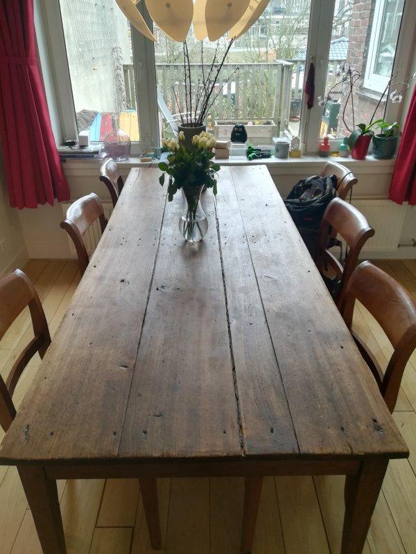 Eetkamertafel Met Ingelegd Blad.Naden In Oude Tafel Dichten