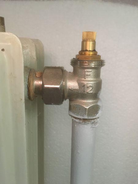 Zeer Thermostaat op oude radiatorkraan RD02