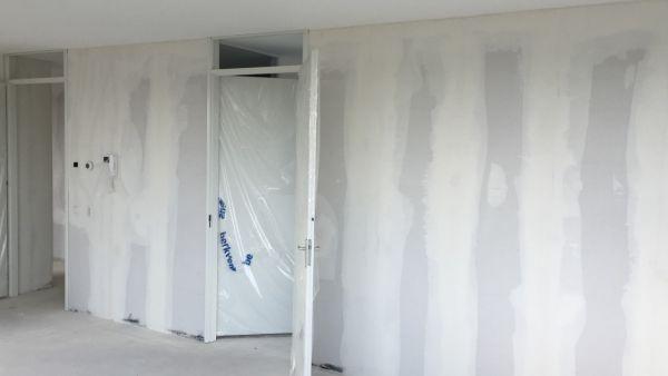 Nieuwbouw muren verven for Behangklaar