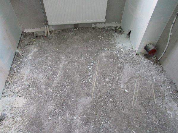 Dekvloer badkamer - randisolatie en wel/niet opnieuw doen