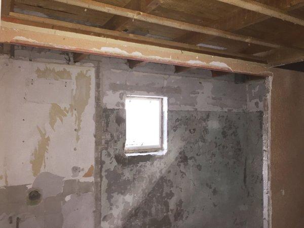 Badkamer Vloer Beton : Uitbouw badkamer houten vloer beton storten