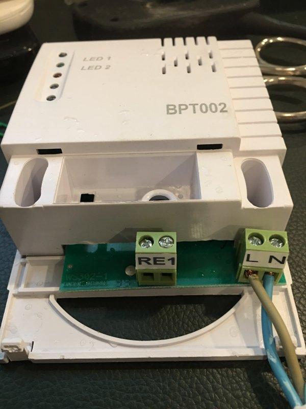 Geliefde Thermostaat aansluiten op infraroodpaneel XD03