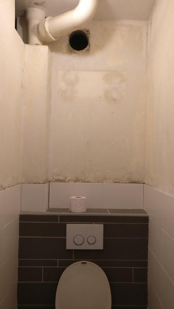 Ventilatie van badkamer en WC via een enkel kanaal