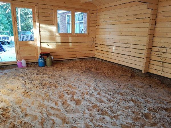 Uitzonderlijk Vloer/isolatie in houten blokhut FB41