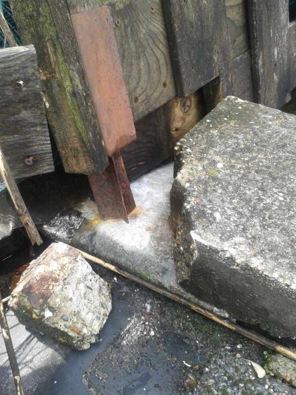 Uitzonderlijk Paal in beton zetten op dakterras HU17