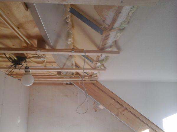 Verlaagd plafond mooi laten aansluiten