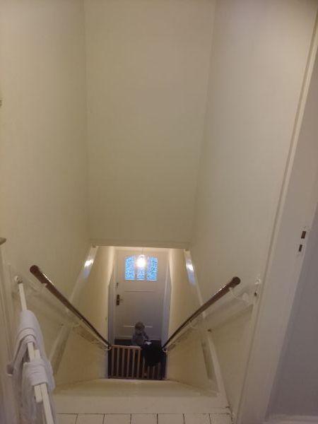 Hoe kan ik dit trapgat veilig schilderen for Trapgat behangen