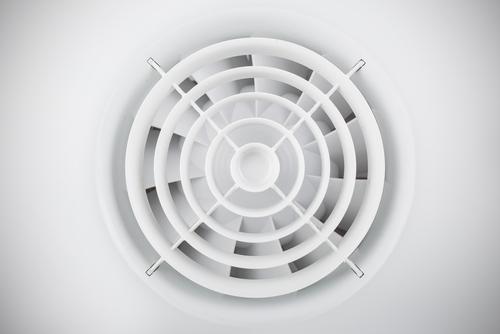 ventilatie en verlichting in de badkamer
